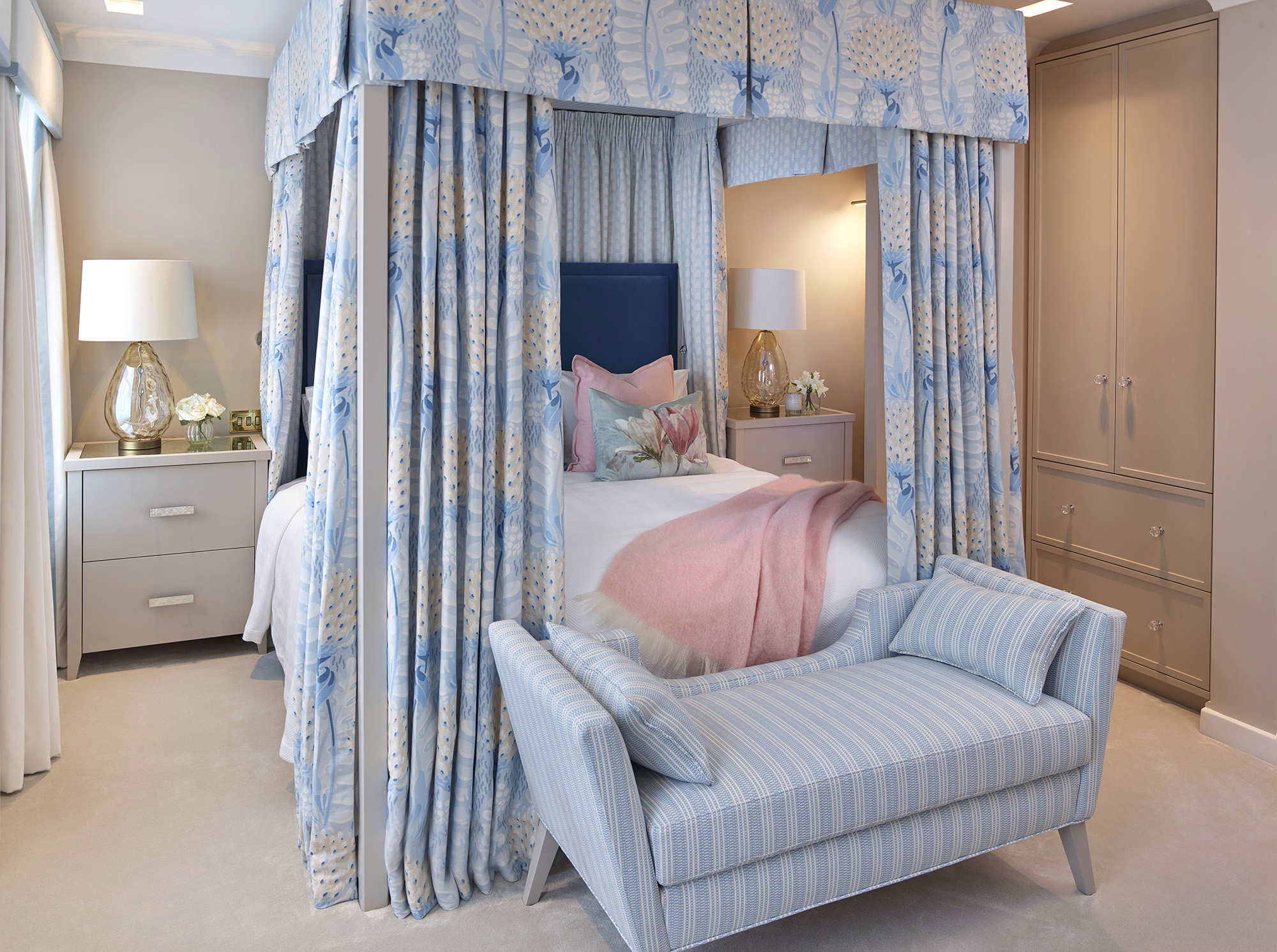 Chelsea Townhouse Four Posters Master Bedroom