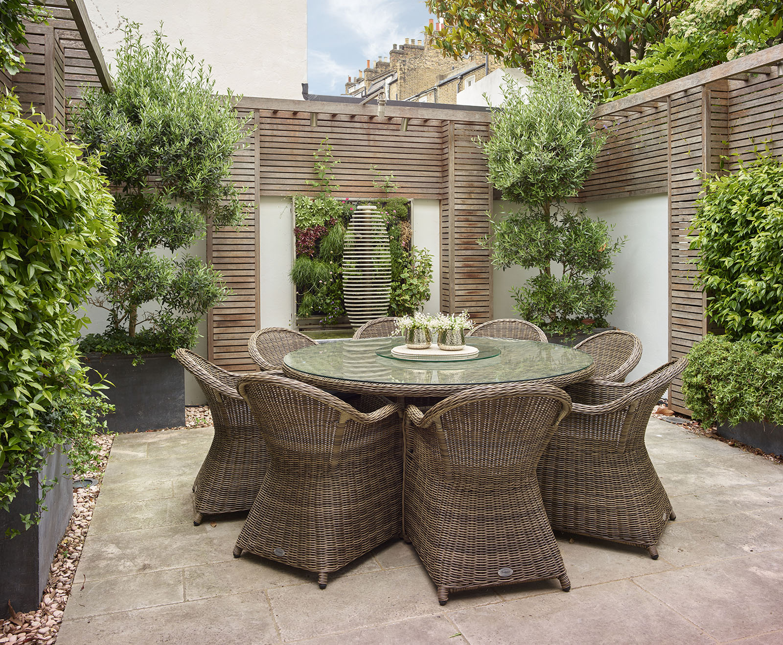 Chelsea Townhouse Garden Dining Table