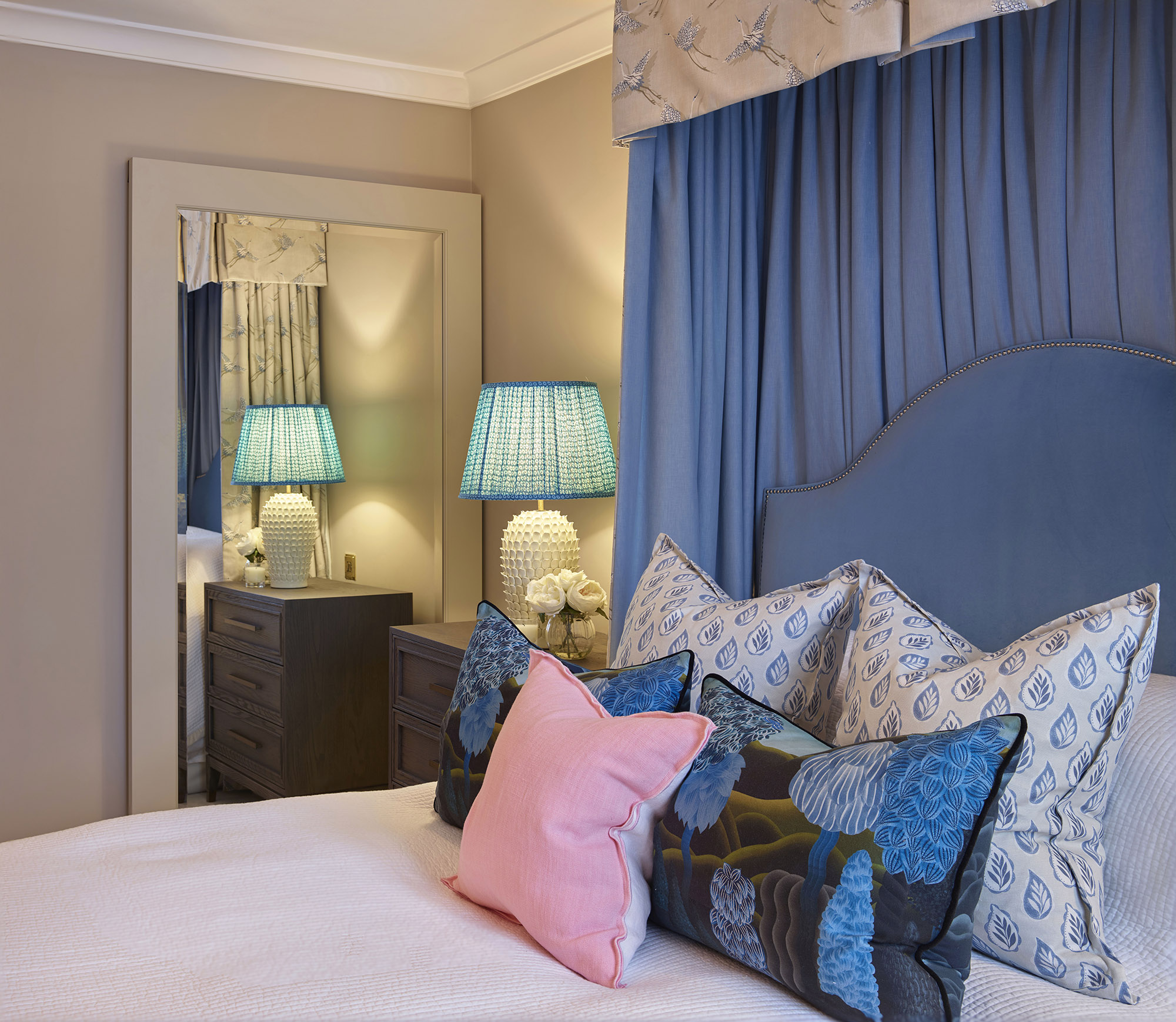 Chelsea Townhouse Guest Bedroom Lighting and Cushions